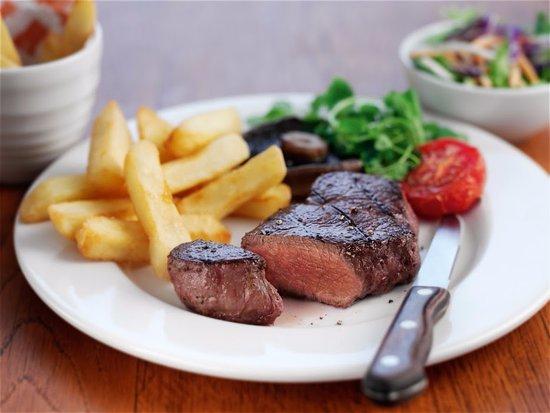 Castleton, UK: 8oz fillet steak