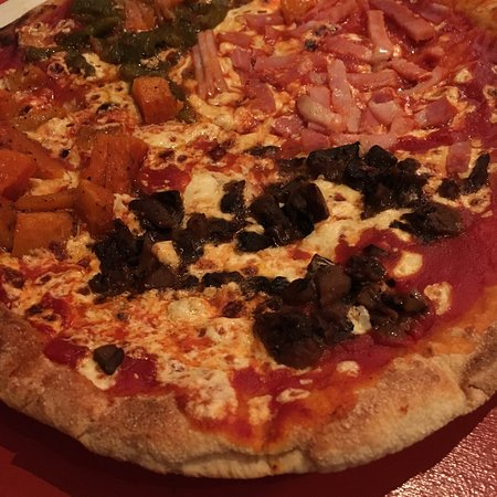 Otto Enoteca & Pizzeria : Awesome 4 seasons