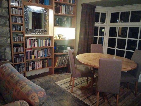 Beili Neuadd: Lounge