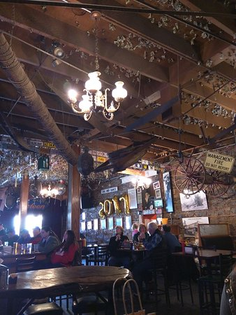 Groveland, Californie : Iron Door Saloon and Grill