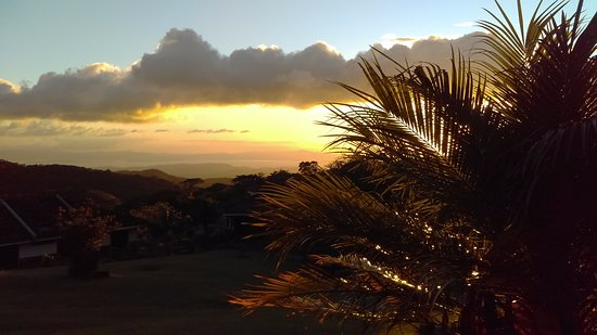 Hotel Montana Monteverde: sunset view from hotel