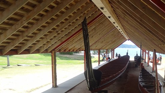 Paihia, New Zealand: War canoes