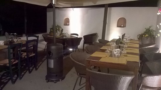 Santa Marina Salina, Italia: Locale inaugurato dalla nuova gestione il 01 Dicembre 2016. Didyme Food & Drink vi invita nei su