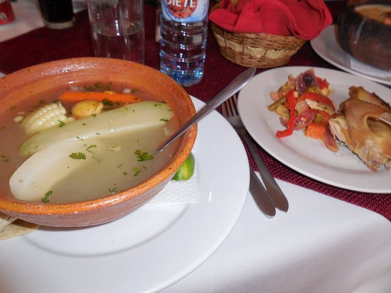 Ciudad Vieja, Guatemala: Chicken breast and salad that comes with the soup