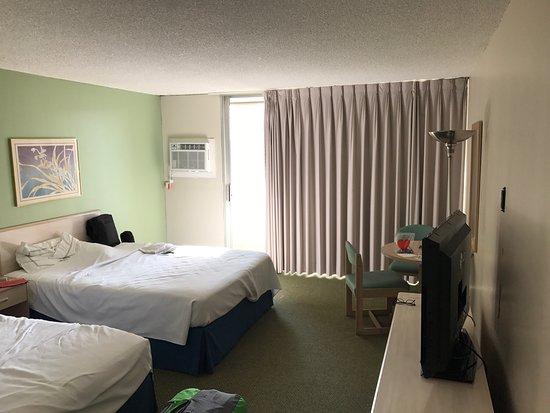 Ambassador Hotel Waikiki: photo1.jpg