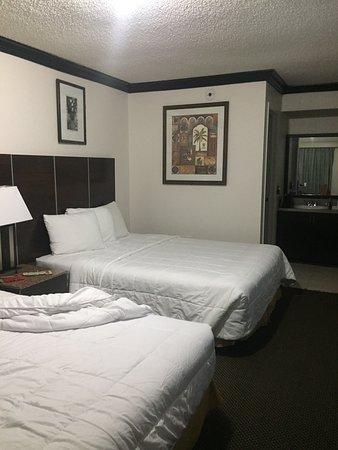 Budget Host Inn: photo1.jpg