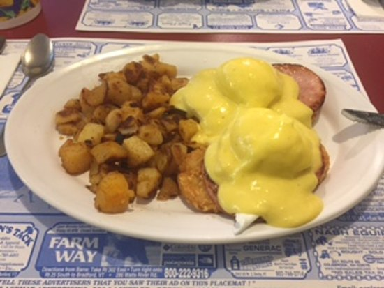 Barre, VT: Eggs Benedict with a hash brown!