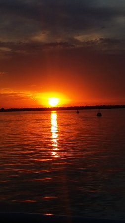 Cowes, Australië: Beautiful sunset on a hot night
