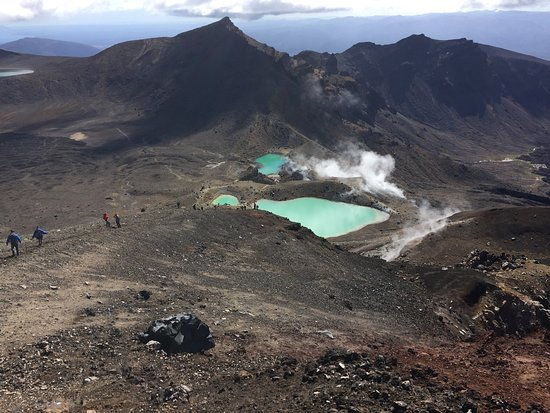 Tongariro National Park, New Zealand: A great way to handle the logistics of hiking the Tongoriro Alpine Crossing!