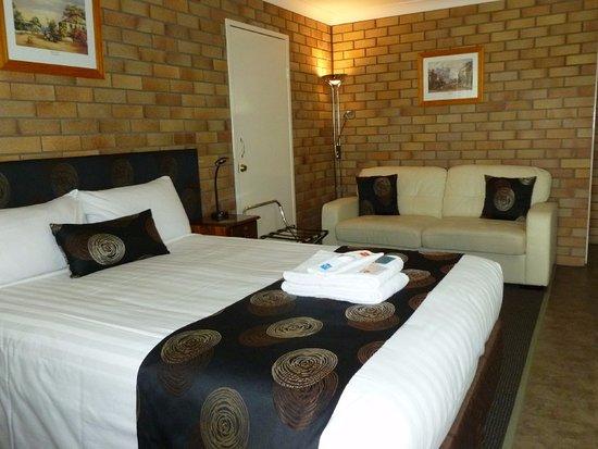 Warwick, Australia: Bed & large sofa.