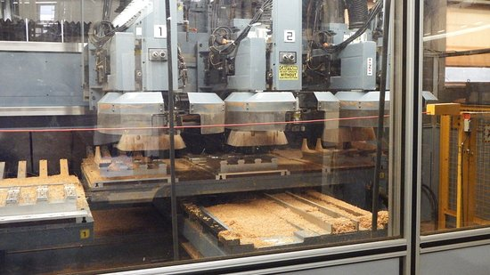 Nazareth, PA: Manufacturing the Martin guitar
