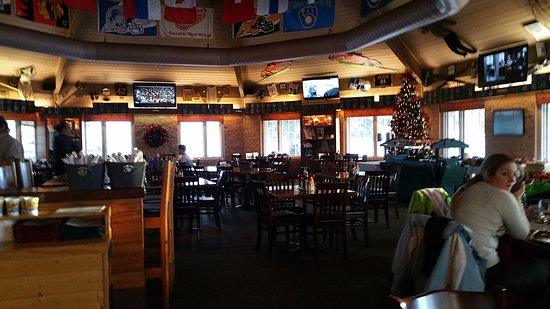 Iron Mountain, MI: Famers Sports Bar & Grill