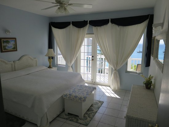 The Lighthouse Villas: Master bed room 7