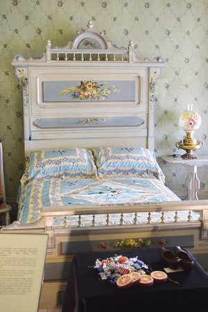 Morristown, NJ: Beautiful bed