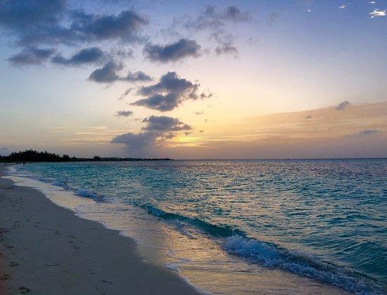 Gansevoort Turks + Caicos: Sunset on the beach
