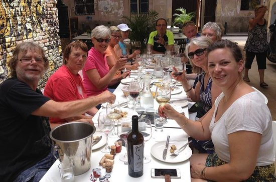 Wine Walking Tour of Valencia