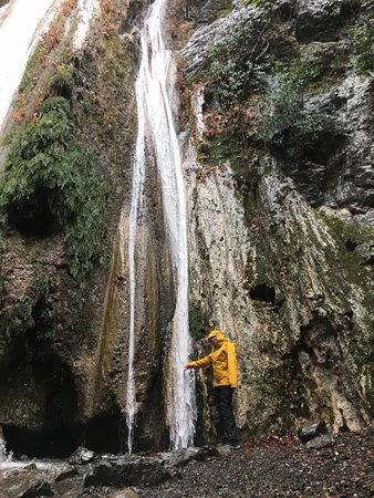 Ojai, Californie : Rose Valley Falls in the rain