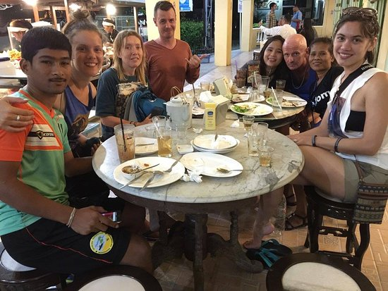 Nakhon Si Thammarat, Thailand: South Africans, Thais, English, Chinese and Americans enjoying the atmosphere at Kopi