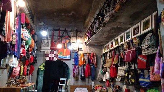 Quy Nhon, Vietnam: gift shop