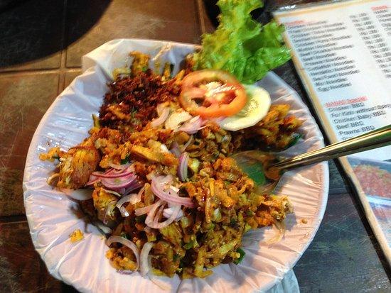 Nana's : Chicken Kottu 2nd time round...yummy rustic comfort food