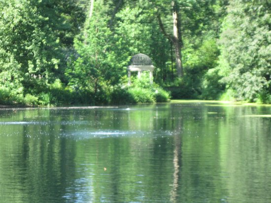 Kennett Square, Pensylwania: Small lake with lovely view