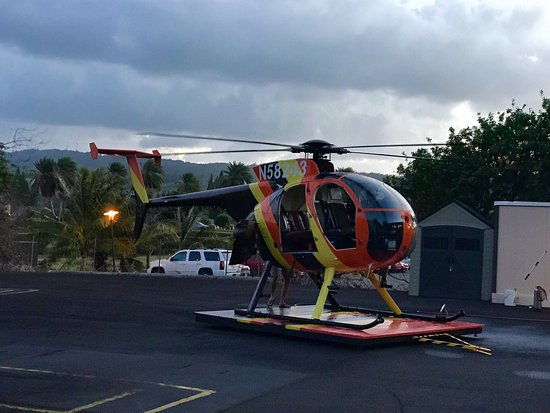 Kahuku, Hawái: JOSH you are an amazing pilot!!!  Thank you so much Paradise Helicopters, we can't wait to see y