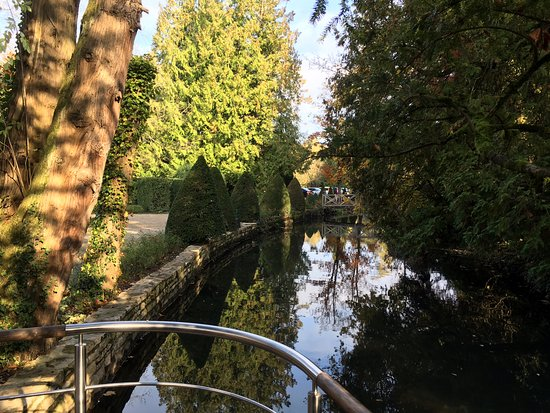 Levernois, Francia: promenade au bord de l'eau