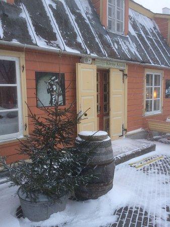 Haapsalu, Estonia: вход в ресторан