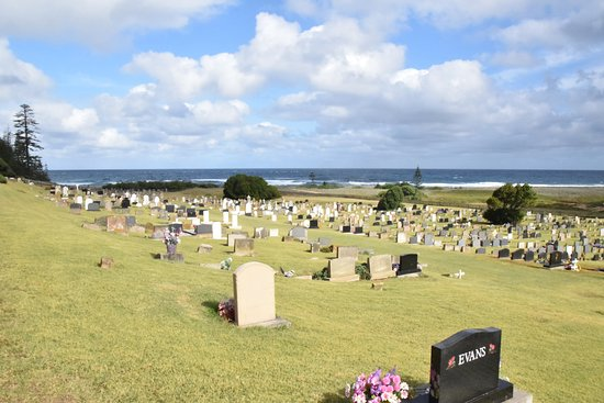 Kingston, Australia: Wonderful view and well kept cemetery.