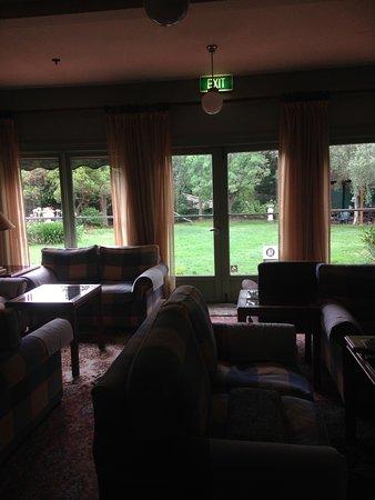 Leura House: Common Lounge area