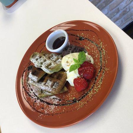 Southport, Αυστραλία: matcha waffle