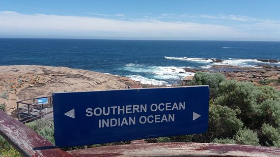 Augusta, Australia: Meeting of the two oceans at the Lighthouse cape