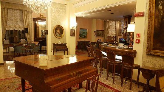Grand Hotel Trieste & Victoria Photo