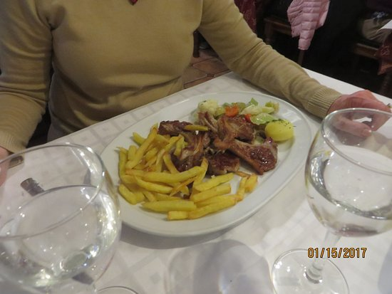 Meson Antonio: lamb chops