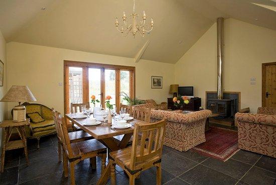 Cranbrook, UK: Hop Pickers Cottage Lounge/Diner