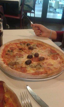 Sant'Ambrogio di Valpolicella, Ιταλία: pizza