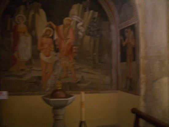 Capalbio, Italy: affreschi interni