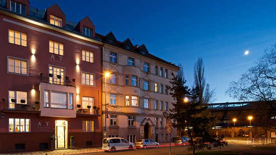 Art Hotel Prague : Hotel in the night