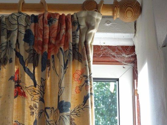 Dulverton, UK: Lounge Curtains