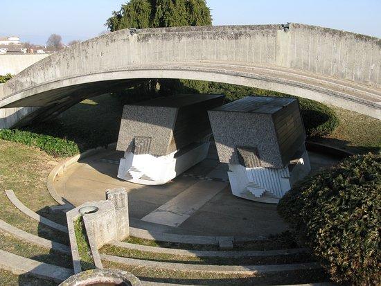 Tomba brion di carlo scarpa san vito di altivole for Carlo scarpa tomba