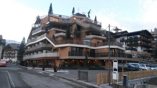il piacere di una vacanza in montagna..new hotel tofana ****