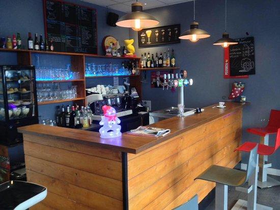 Vélizy-Villacoublay, France : Bar de Labule