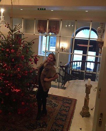 Прекрасный комплимент в День Рождение мужа в номере Grand Palace hotel.