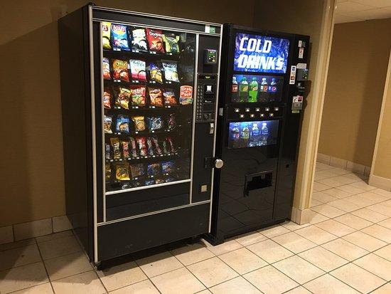 Best Western Plus Lockport Hotel : Best Western (Lockport) - vending machines