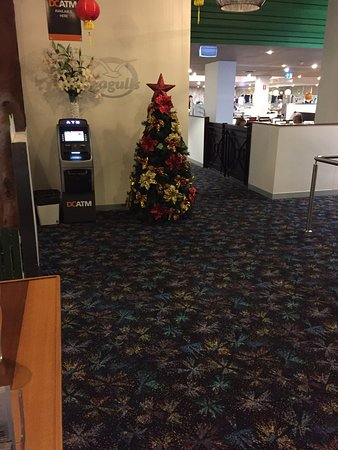 Tweed Heads, ออสเตรเลีย: lonely christmas tree