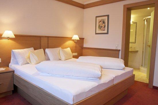 Hotel Garni Angela: Doppelzimmer Standart