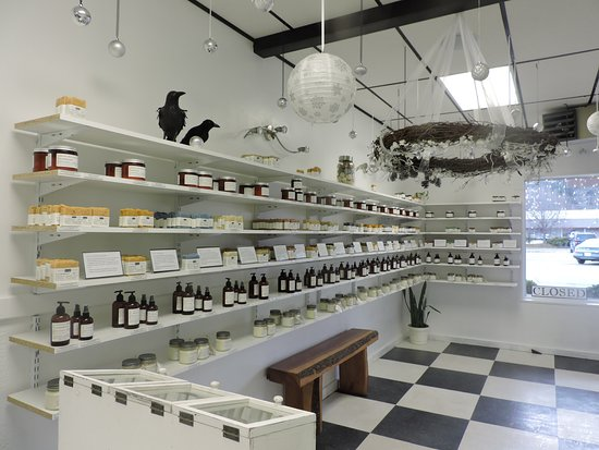 Newland, Carolina del Norte: Organic skincare, bath, & body.