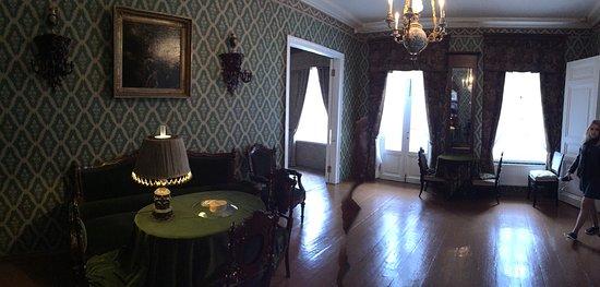 Dostoevsky Museum: Living room