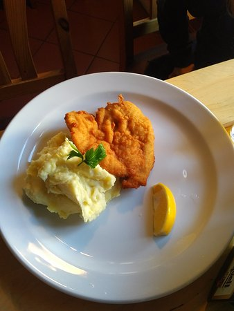 Stara Boleslav, สาธารณรัฐเช็ก: Children´s half portion - chicken schnitzel