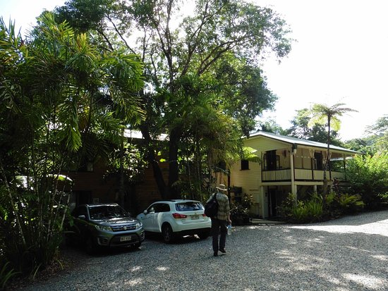 Red Mill House in Daintree: View of car parking and buildings.